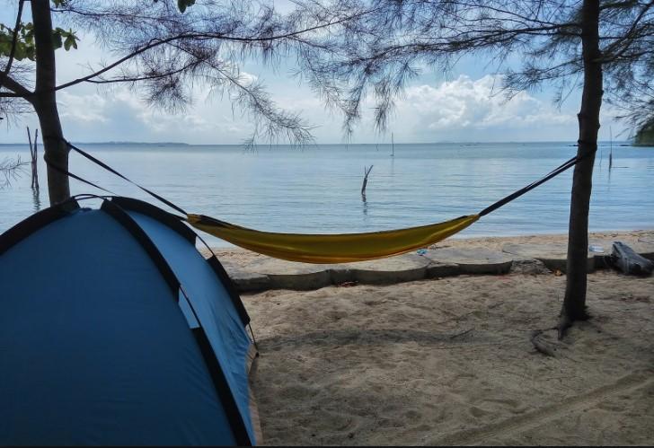 Sewa hammock di Pacitan